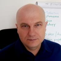 trener Robert Głos