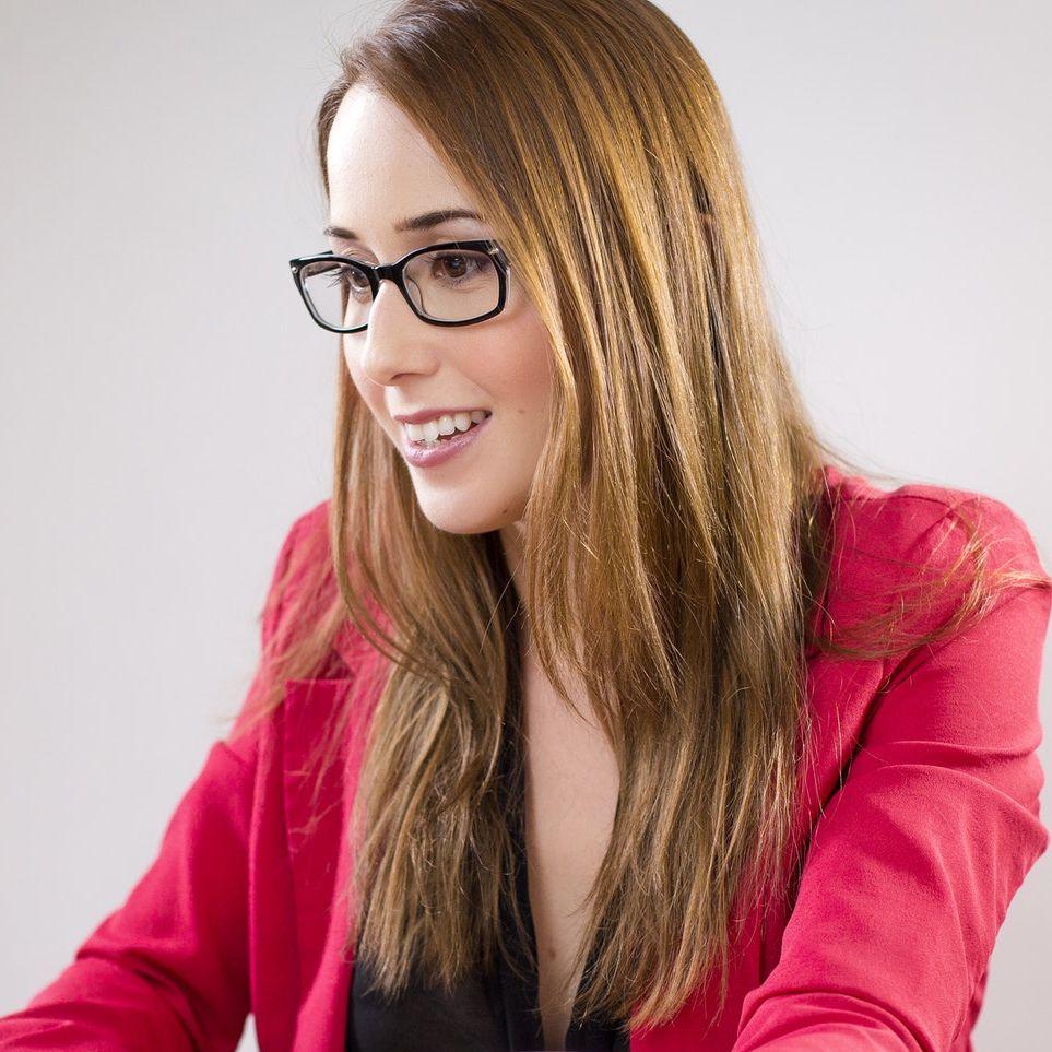 Jak być idealną sekretarką? Poznaj cechy dobrej sekretarki/asystentki!